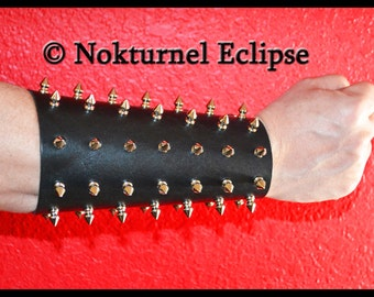 Pair Spiked Leather Cuffs w/ 1/2 Inch Spikes Lace Up Design Gauntlet Fetish BDSM Costume Black Death Heavy Metal Halloween Costume UNISEX