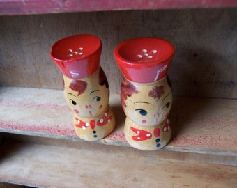 adorable wooden japan shakers 2