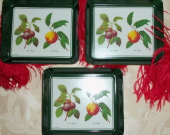VIntage 60s Small Plastic Lucite Trays Set of 3  Made in Italy