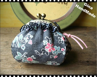 Flower and check  Metal frame purse/coin purse / Coin Wallet /Pouch / Kiss lock frame bag-GinaHandMade