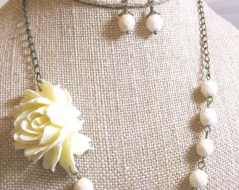 Ivory Necklace Flower Necklace Wedding Jewelry Bridesmaid Jewelry Bridal Necklace