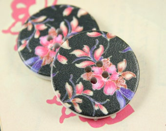 Flower Wooden Buttons - 6 pieces of Beautiful Pink Bauhinia Flower Wood Buttons, With Black Background. 1.18 inch