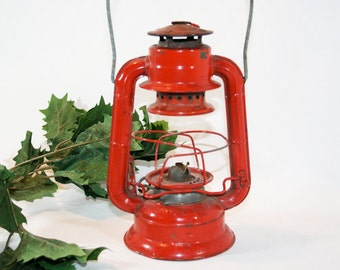 SALE - Little Red Dietz Comet Lantern