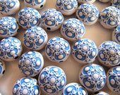 ACRYLIC Beads in Blue and White, Antique Style, Focal, 20 Beads, 17mm, Round Lentil Shape, AR02