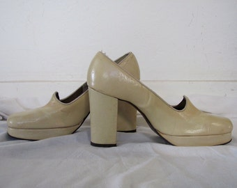 The 1960's Pale Yellow Gallianos Platform Slip-On Pump