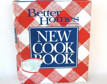 Vintage Better Homes and Gardens New Cookbook Tenth Edition Ring Bound Second printing copyright 1989   CB254