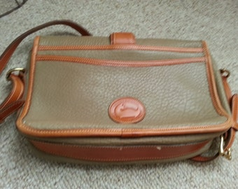 Vintage Leather Dooney and Bourke Pocketbook Purse Beige with Brown Trim
