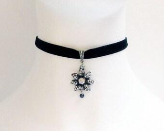 Velvet Choker, Flower Choker, Red Choker, Gothic Choker, Black Choker, Choker Necklace, Bridal Necklace, Valentines Day Gift for Her, Prom
