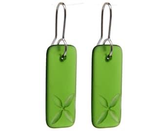 Recycled Glass Drop Tapa Earrings Green