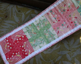 Spring windmills table runner