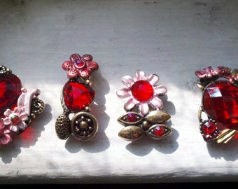 Red Rhinestone Metal Beads with Antique  Brass  Motif  Metal Base  Deluxe Assorted 4 Pieces. Jewelry Supply Buckles.Connectors.