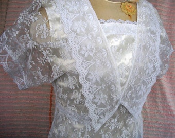 """Vintage Lace DRESS,1970's """"GUNNE SAX - Jessica McClintock"""", Long  White Lace Over Satin, Size 7/8, Prom, Wedding, Hippie Spring Chic!"""