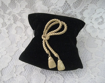 """PRETTY Metal ROPE and Tassles BROOCH  Pin - 3""""  Very Different"""