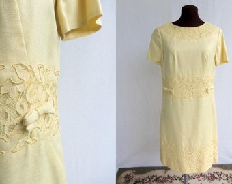 Vintage 60s Dress Shift Sheath Yellow with Lace  Trim and Bows S / M Party