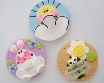 Biggy Buttons for Spring handmade polymer clay sunshine,bunny and honeybee 1 1/2 inch button ( 1 )