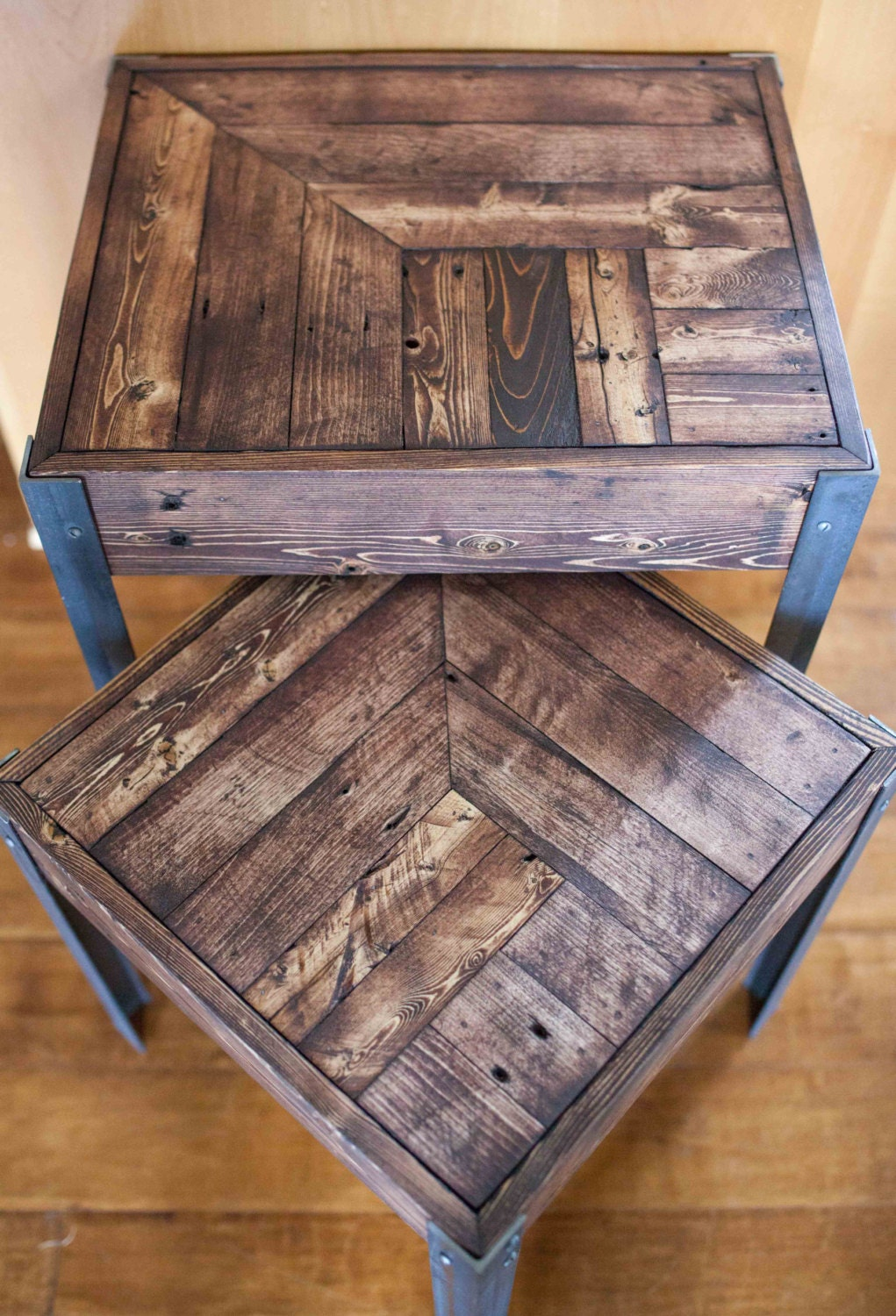 pallet wood and metal leg nesting tables. Black Bedroom Furniture Sets. Home Design Ideas