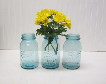 Lot of 3 Vintage Blue Ball Perfect Mason Quart Canning Jars Wedding centerpiece table setting