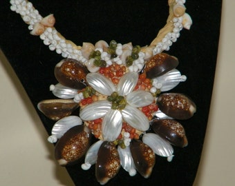 TAHITIAN Shell Tropical Flower NECKLACE-necshrf5