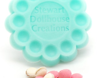 1:12 scale, French Macaron Mold with 8 Colors of Clay, Dollhouse Miniature