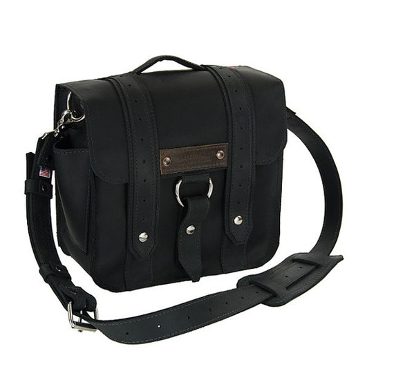 "10"" Brooklyn Black Safari iPad Tablet Bag - 10-V-BL-LAP"