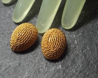 "Vintage 1"" Goldtone Corded Oval Egg Shaped Clip On Earrings"