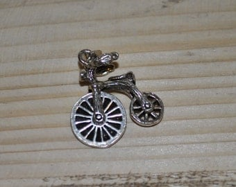 Vintage silver charm - Old Fashioned bicycle - moving wheels
