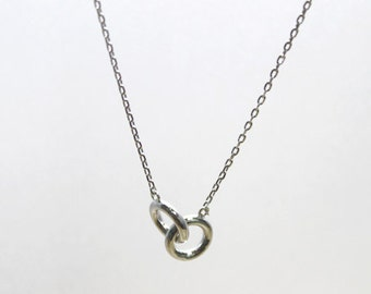 Small entwined Rings Necklace  - S2296 -1