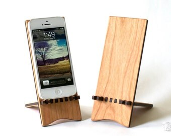 Docking Stand for iPhone 5, iPhone 6 and iPhone 6 plus - Natural