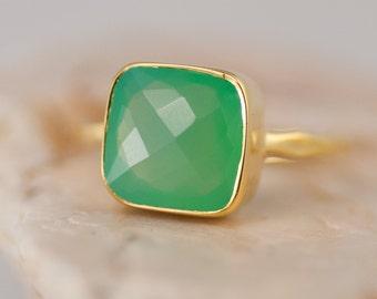 Lime Green Chrysoprase Ring - Sea foam Green Ring - Gemstone Ring - Stacking Ring - Gold Ring - Cushion Cut Ring
