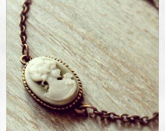 Lady Cameo Bracelet