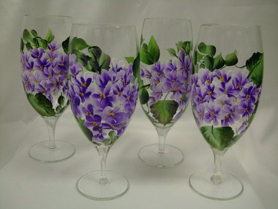 Hand painted wine glass in hydrangea design by for Hand designed wine glasses