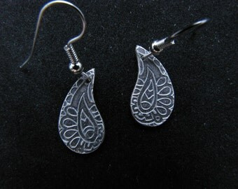 Silver, paisley, antique style, dangle earrings with black patina