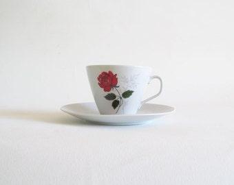 Sweet Vintage Red Rose Tea Cup
