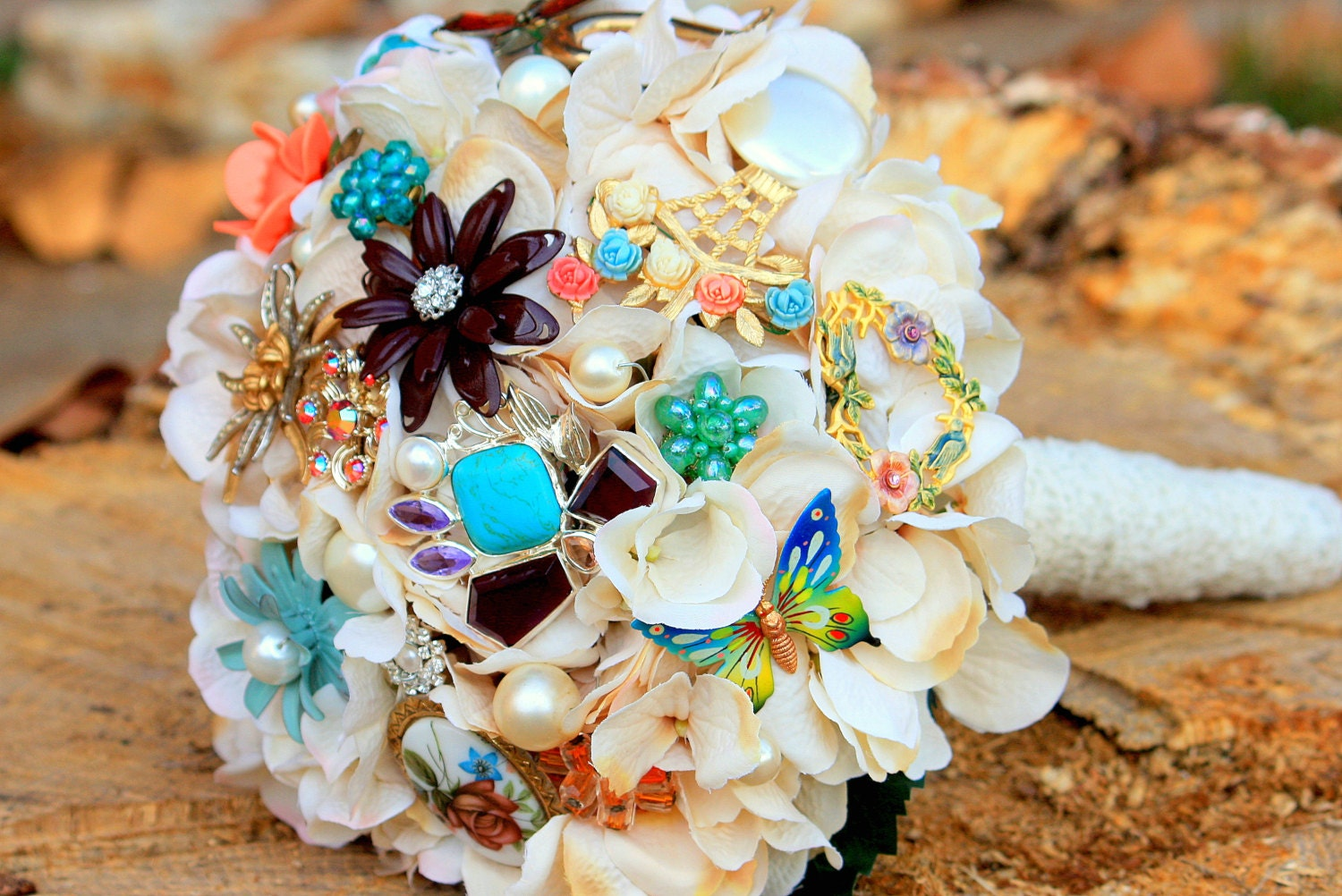 Vintage Jewellery Wedding Bouquets : Vintage lace jewelry bridal pearl brooch bouquet by