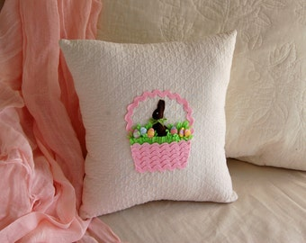 Easter Basket Pillow, Pink Ric- Rac Basket w/ Felt Chocolate Bunny and Pastel Easter Egg Buttons (Easter Decorations)