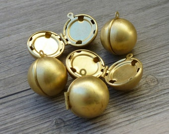 CLOSE OUT  Lot 10pcs Steampunk Victorian wholesale antique bronze brass locket ball sphere pendant orb charm necklace earrings  118  jewelry