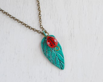 Ladybug Leaf Necklace, Leaf Necklace, Ladybug Jewelry, Leaf Necklace, Turquoise gift, Whimsical, Woodland, Insect Necklace, couples necklace