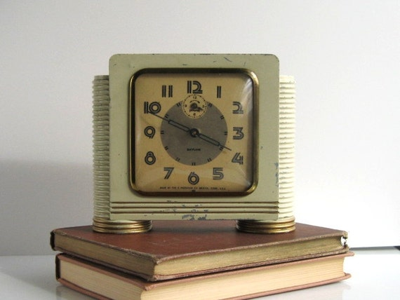 Vintage art deco clock ingraham skyline alarm clock 40s Art deco alarm clocks