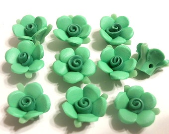 10 Fimo Polymer Clay Green Flowers Fimo Beads 17mm