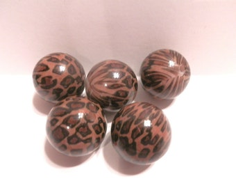 6 Brown Leopard Animal Print Acrylic Round Beads 20mm