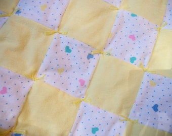 baby quilt, yellow and white hand-tied baby quilt with hearts