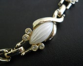Vintage Sarah Coventry Rhinestone and Pearly Lucite Choker necklace