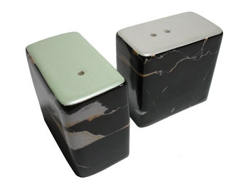 Dinky Modern Ceramic Salt &Pepper Pots / Shakers / Cellars (Jet Marble Metallic Silver and Green)