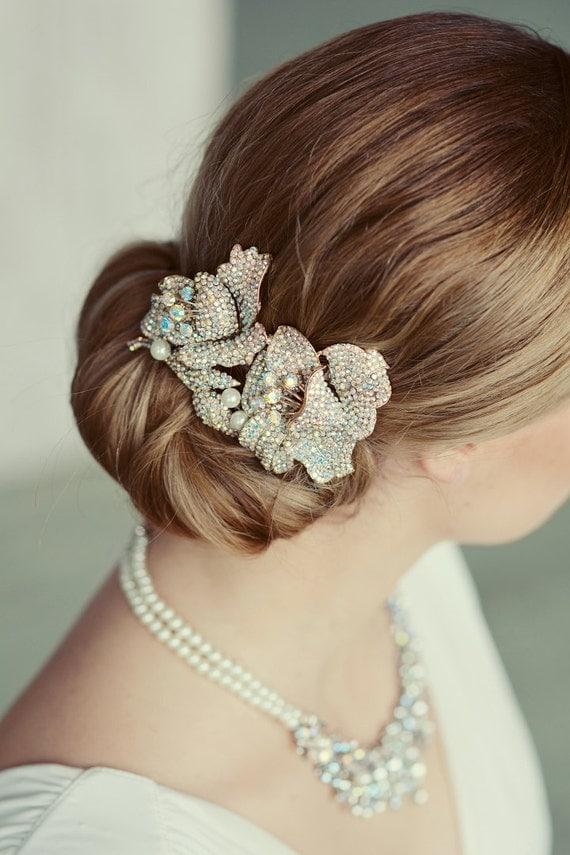 Vintage inspired crystal wedding comb. Floral AB crystal bridal hair comb. Wedding orchid comb. Gold bridal hair piece.