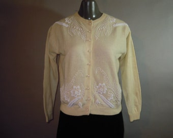 1950s Beaded Sweater // Wool Knit // Ivory // Partial Lining // Pearl Buttons