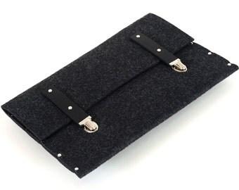 MacBook 13 Air briefcase sleeve case black felt cover handmade by SleeWay