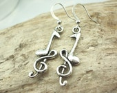 musical note earrings charms antique silver g clef and quarter note music earrings