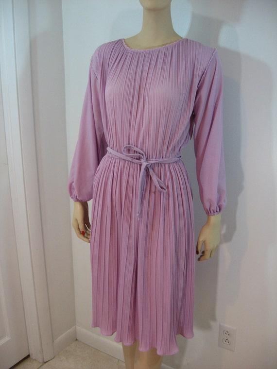 SALE vintage 1970s dress / 70s pink mauve dusty rose pleated dress