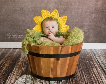 Newborn Sunflower Bonnet, Sunflower Hat, Newborn Photo Prop, Newborn Girl Prop, Baby Bonnet, Flower Hat, Flower Bonnet, Newborn Sunflower