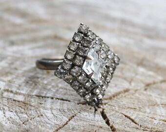 Vintage Silver Rhinestone Ring in Diamond Shaped Setting